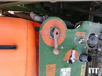 Tractor-mounted sprayer Amazone UF TWIN 2801 S27 - 3