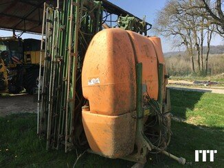 Tractor-mounted sprayer Amazone UF TWIN 2801 S27 - 1