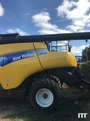 Combine harvester New Holland CR 9080 - 3
