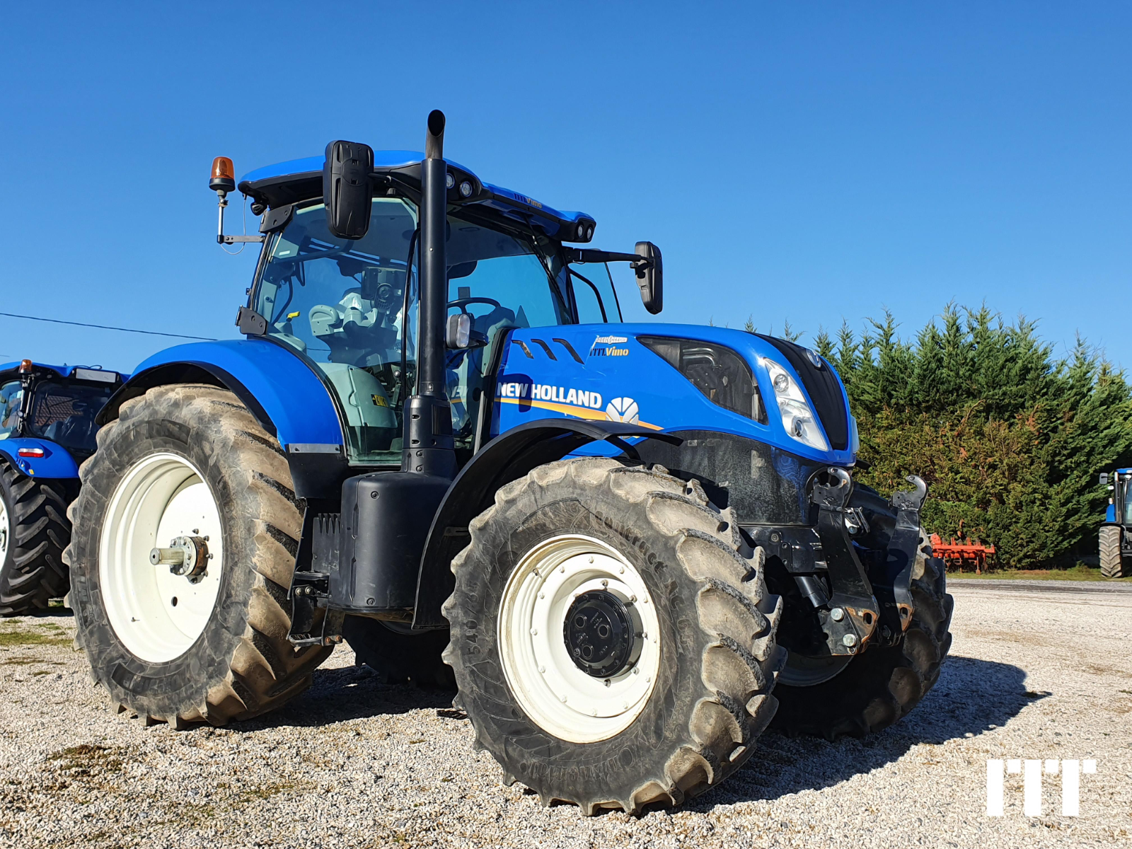 Farm tractors New Holland T7.225 - 1